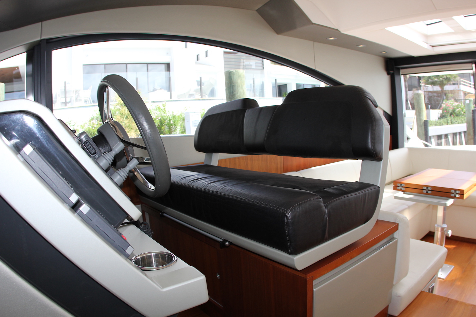 62_Fairline_2013_Intuition12