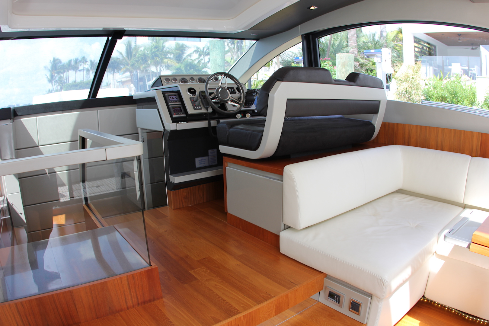 62_Fairline_2013_Intuition8